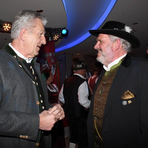 Oide Wiesn Bürgerball:  Narrhalla-Vizepräsident Günther Malescha (links) mit Festring-Präsident Karl-Heinz Knoll