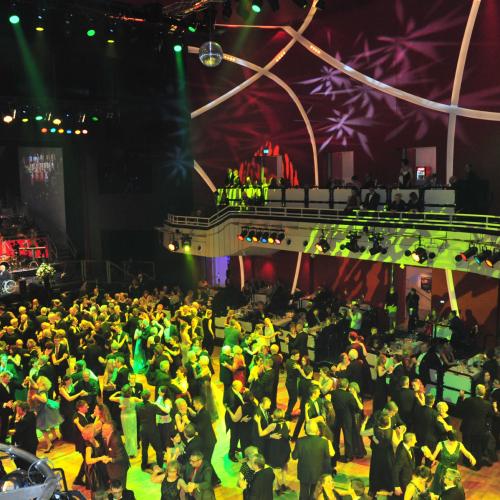 Tanzen im großen Saal © Sabine Bartel / SB Photodesign