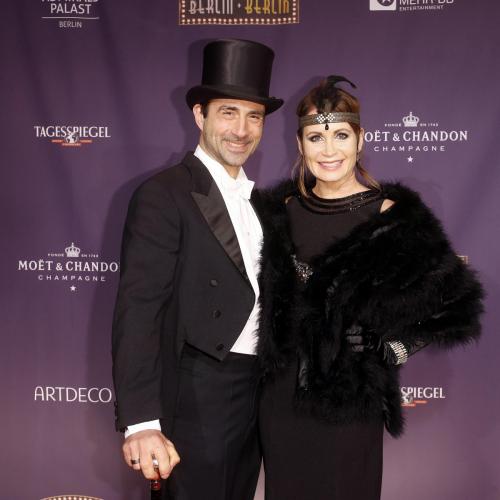 Schauspielerin Anja Kling mit Freund Oliver Haas  bei der Premiere in Berlin