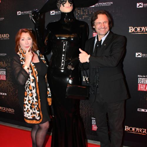 Schauspieler Winfried Frey mit Gattin und Performace-Künstlerin Chrissie Seams