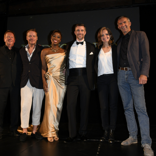 v.l.n.r. Ralf Kokemüller (BB Promotion), Frank Thompson (Associate Regie), Aisata Blackman, Jo Weil (Hauptdarsteller), Carmen Bayer, Werner Steer (Deutsches Theater)