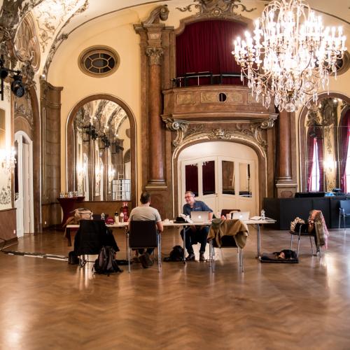 Der historische Silbersaal macht als Interims-Berghütte einiges her.