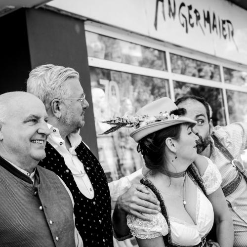 Axeal Munz, Moses Wolff, Sabine Kapfinger und Aurel Bereuter bei Trachten Angermaier.