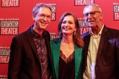 Daniel Nicolai, Leiter des Englisch Theatre Frankfurt (links) mit den DT-Geschäftsführern Carmen Bayer und Werner Steer