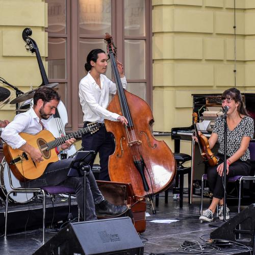 Die Band Lyckliga begeisterte  mit ihrem außergewöhnlichen Klang