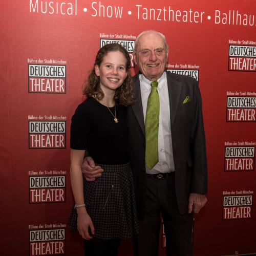 Gastronom Peter Schottenhamel mit Enkelin